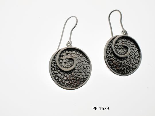 PE 1679